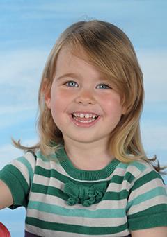 Motiv Himmelsrakete Portrait - Portraitaufnahme vor blauem Hintergrund